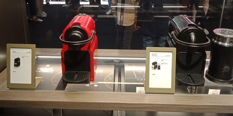 Salah satu mesin kopi Nespresso yang tersedia di Nespresso Boutique Plaza Indonesia.