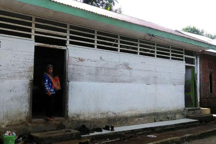 MTs Dzikir Pikir di Desa Tik Teleu, Kabupaten Lebong, Provinsi Bengkulu, dibangun atas keprihatinan para pemuda atas kondisi pendidikan di pedalaman Bengkulu. Namun kondisi bangunan sangat mengkhawatirkan.
