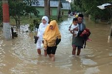 Perjuangan Korban Banjir untuk Shalat Id, Terjang Genangan hingga Lebaran di Tenda Pengungsi
