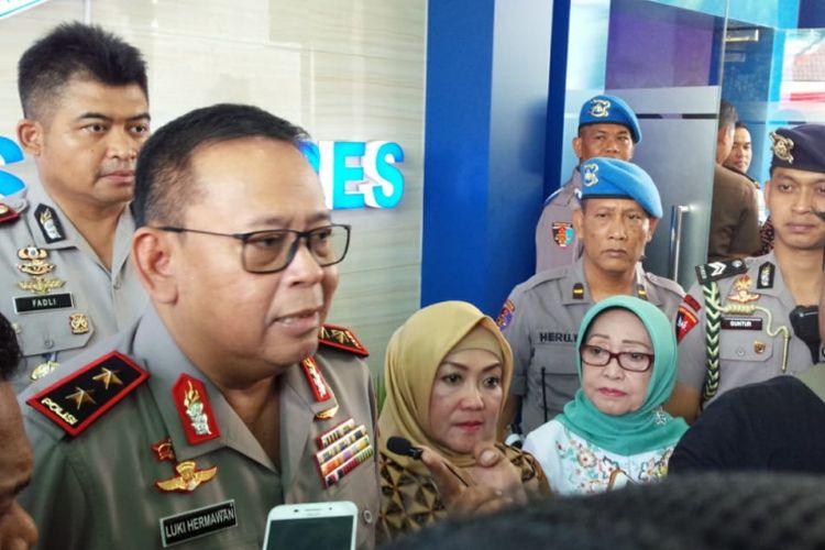 Kapolda Jawa Timur, Irjen Pol Luki Hermawan, ditemui di sela peluncuran SIM Drive Thru di Kantor Satlantas Polres Jombang, Rabu (9/1/2019).