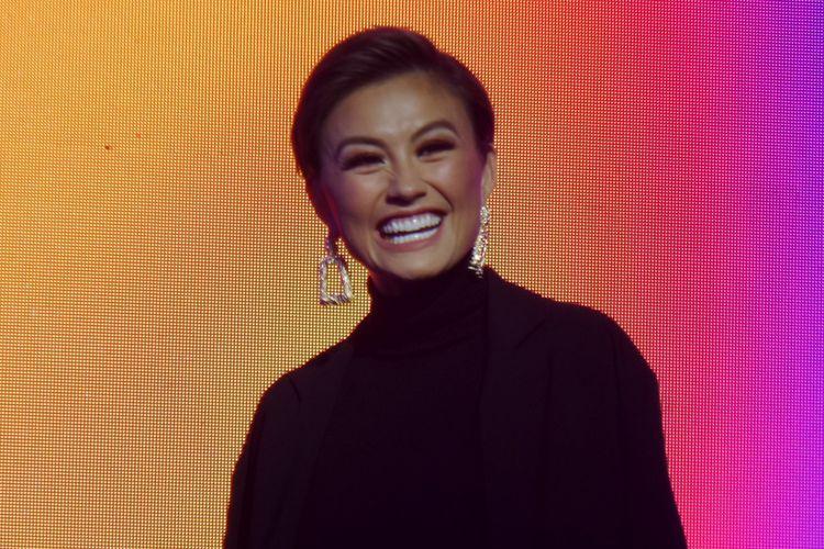 Penyanyi sekaligus brand ambassador Clear, Agnez Mo, hadir pada acara peluncuran kampanye terbaru Clear di Empirica, SCBD, Jakarta, Jumat (21/9/2018).