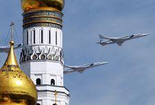 Rusia Kirim Jet Pembom Tu-22M3 dan Sistem Rudal Iskander ke Crimea