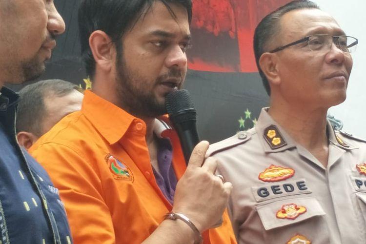 Artis peran Rio Reifan dalam konferensi pers kasus narkoba yang menjeratnya di Ditres Narkoba Polda Metro Jaya, Jakarta Selatan, Jumat (16/8/2019).
