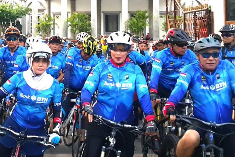 Para peserta Tour de Borobudur di Semarang, Sabtu (3/11/2018).