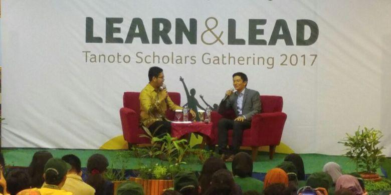 Pembalap Rio Haryanto menjadi pembicara dalam acara Tanoto Scholars Gathering, di Pangkalan Kerinci, Riau, Rabu (22/11/2017).