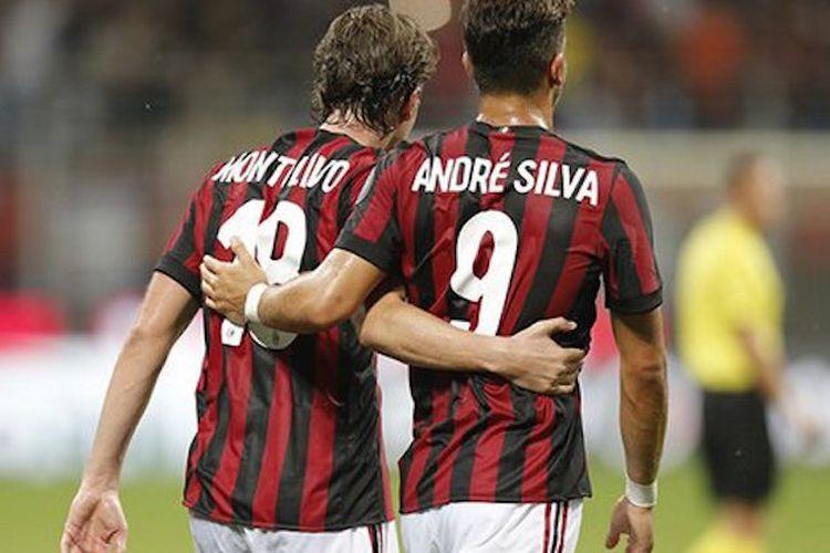 Riccardo Montolivo dan Andre Silva merayakan gol AC Milan ke gawang Shkendija pada pertandingan play-off Liga Europa di San Siro, Kamis (17/8/2017).