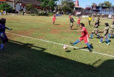 Asisten Pelatih Timnas Putri Pantau Permainan Sepak Bola Putri NTT