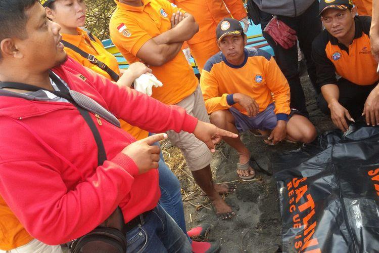 Satu dari dua korban hilang di Pantai Baru, Bantul, DIY, ditemukan di Pantai Trisik, Kulon Progo. Jaraknya sekitar 10 kilometer dar tempat awal dia hilang. Korban yang ditemukan adalah anak-anak berkelamin perempuan.