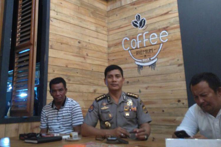 Kepolisian Daerah Aceh akan menginvestigasi tindakan Kapolres Aceh Utara AKBP Ahmad Untung Surianata yang menuai reaksi pro dan kontra dari sejumlah pihak terhadap tindakannya saat merazia dan mencukur rambut 12 waria beberapa waktu lalu. Bahkan ada pihak yang menilai tindakan Untung telah melanggar hak asasi manusia.