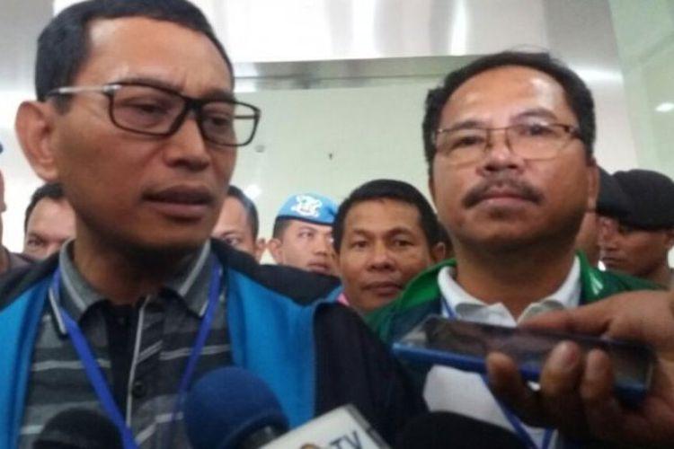 Bakal calon Gubernur Sumatera Utara, JR Saragih, usai melaksanakan tes kesehatan di hari pertama, di RSUP Dr Adam Malik, Medan, Kamis (11/1/2018).