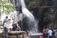 Pesona Air Terjun Guruh Gemurai di Riau