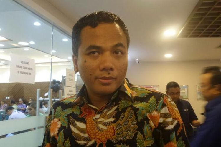 Wakil Ketua Umum Partai Persatuan Pembangunan (PPP) Arwani Thomafi di Kompleks Parlemen, Senayan, Jakarta, Kamis (22/9/2016)