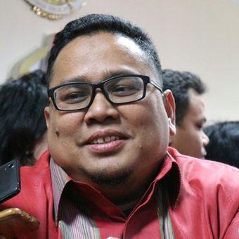 Anggota Badan Pengawas Pemilu (Bawaslu) RI, Rahmat Bagja ketika menyampaikan paparannya di Kantor Bawaslu RI, Jakarta, Senin (12/3/2018).