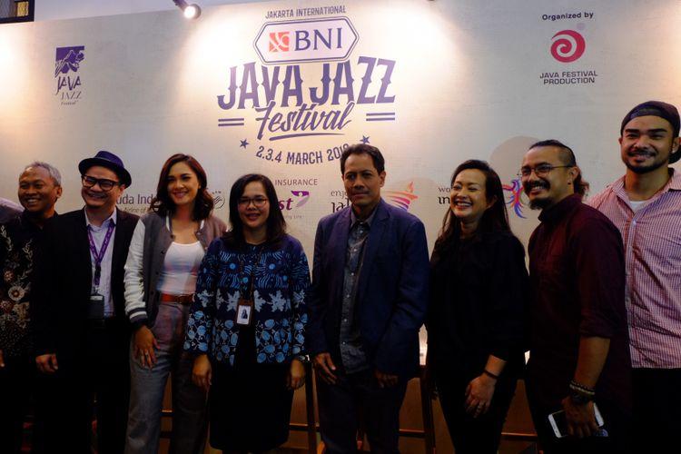Dewi Gontha dan sebagian dari mereka yang terlibat dalam Java Jazz Festival 2018 hadir dalam jumpa pers di kawasan Kemang, Kamis (18/1/2018).