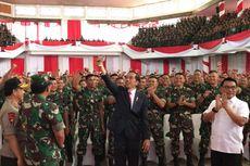 Jokowi: Kalau TNI-Polri Berjalan Bersama-sama, Rakyat Melihatnya Adem...