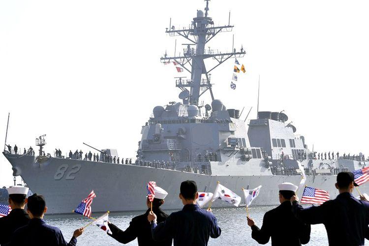 Angkatan laut Amerika Serikat dan Korea Selatan kembali melakukan latihan militer bersama di perairan yang dekat dengan Korea Utara. Foto diambil pada Oktober 2015. (Foto: Dokumentasi)