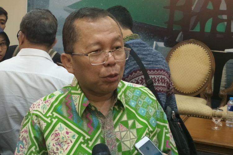 Anggota Pansus revisi Undang-Undang Nomor 15  Tahun 2003 tentang Pemberantasan Tindak Pidana Terorisme (RUU Antiterorisme) Arsul Sani seusai menjadi pembicara dalam diskusi terkait RUU Antiterorisme, di kompleks Parlemen, Senayan, Jakarta, Selasa (15/5/2018).