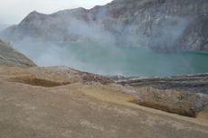 Gunung Ijen Keluarkan Gas Beracun, Sejumlah Warga Dilarikan ke Rumah Sakit