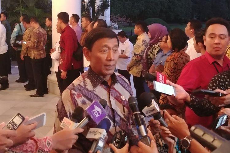 Menteri Koordinator bidang Politik, Hukum dan Keamanan Wiranto di Istana Bogor, Rabu (6/12/2017).