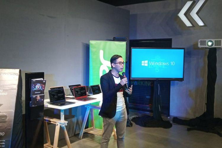 Suryadi Hiumanbrata, Product Manager Acer Indonesia, saat membeberkan kolaborasi Acer x Mini