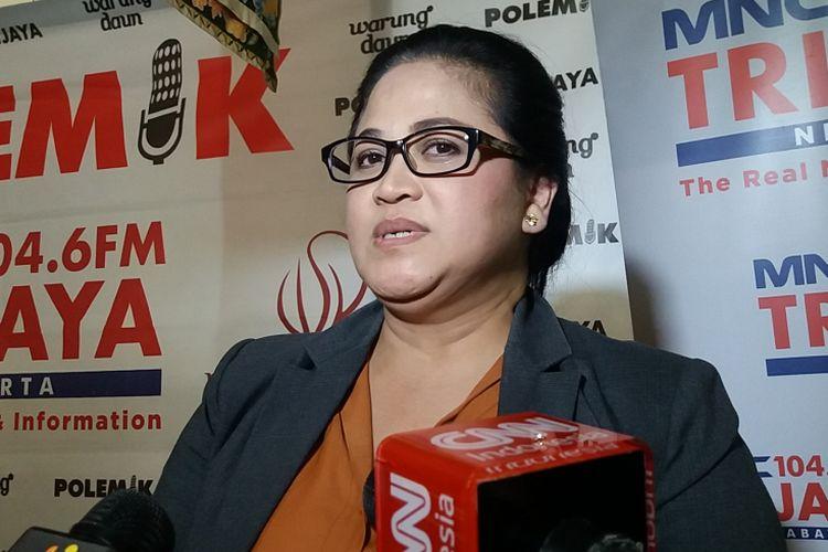 Pengamat Militer Connie Rahakundini Bakrie seusai acara disjusi di Cikini, Jakarta Pusat, Sabtu (9/12/2017).