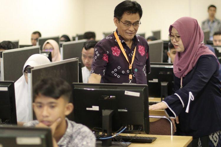 UGM telah menyiapkan 16 lokasi tersebar di seluruh fakultas UGM dengan total 53 ruangan dan 1.720 komputer yang siap digunakan menyukseskan pelaksanaan UTBK 2019.