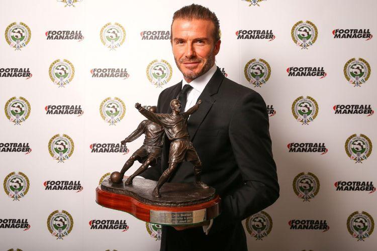 David Beckham meraih penghargaan PFA Merit Award, Minggu (23/4/2017).