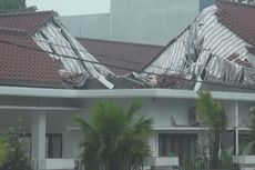 Atap Rumah Dinas Bupati OKI Tiba-tiba Ambruk, Penyebabnya Belum Diketahui