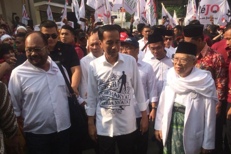 Presiden Jokowi dan Ketum MUI Maruf Amin tiba di Gedung Djoang 45, Jumat (10/8/2018). Keduanya akan bersama-sama menuju gedung KPU untuk mendaftarkan diri sebagai capres dan cawapres.