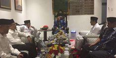 Gus Ipul - Azwar Anas Rangkul Pimpinan Tarekat