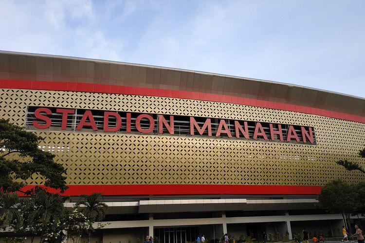Wajah baru Stadion Manahan Solo dengan motif kawung