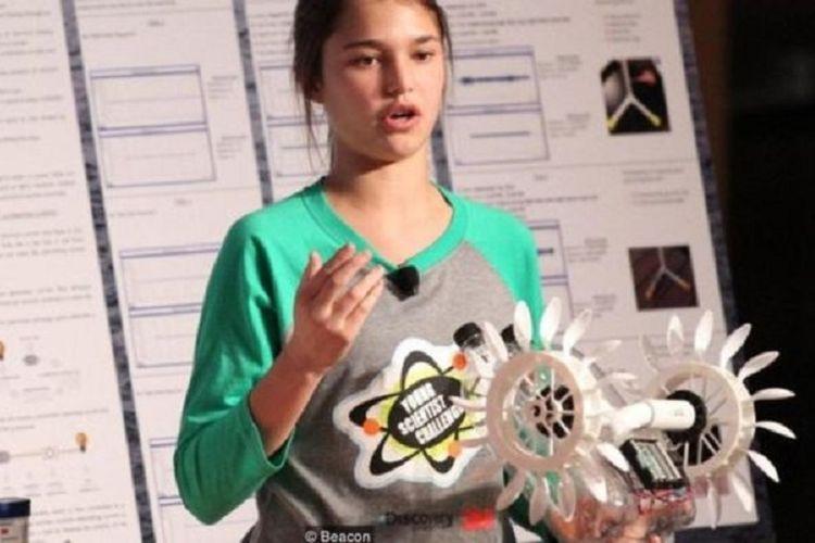 Hannah Herbst menciptakan beacon untuk menyalurkan energi langsung dari gelombang laut