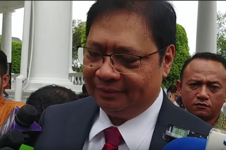 Ketua Umum Partai Golkar Airlangga Hartarto di Istana Kepresidenan sebelum pelantikan menteri baru hasil reshuffle, Rabu (17/1/2018).