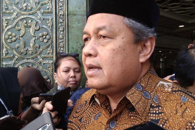 Gubernur Bank Indonesia Perry Warjiyo dalam paparan singkatnya di Kompleks Masjid BI Jakarta, Jumat (24/5/2019).