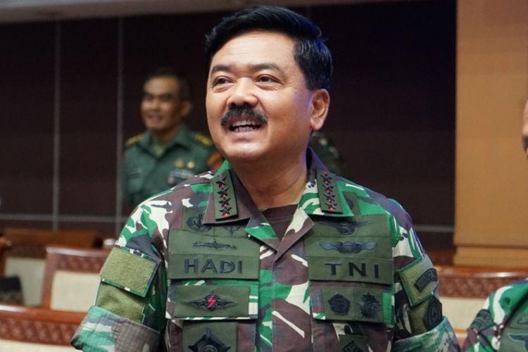 Panglima TNI Marsekal Hadi Tjahjanto saat ditemui seusai rapat dengan Komisi I, di Kompleks Parlemen, Senayan, Jakarta, Kamis (24/5/2018).