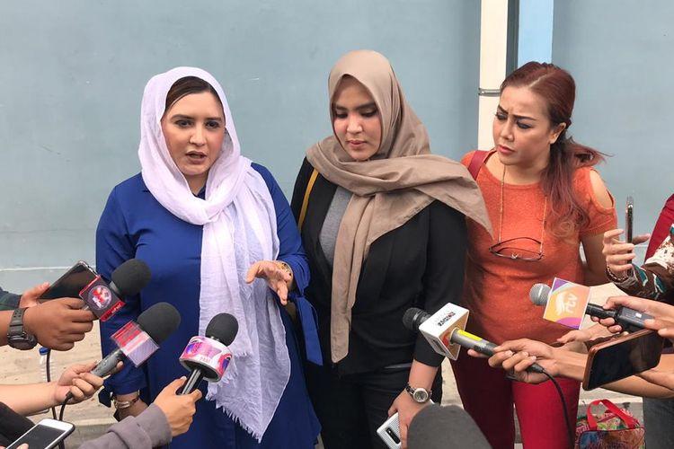 Fadia A Rafiq dan Ranny A Rafiq di kawasan Mampang, Jakarta Selatan, Kamis (8/8/2019).