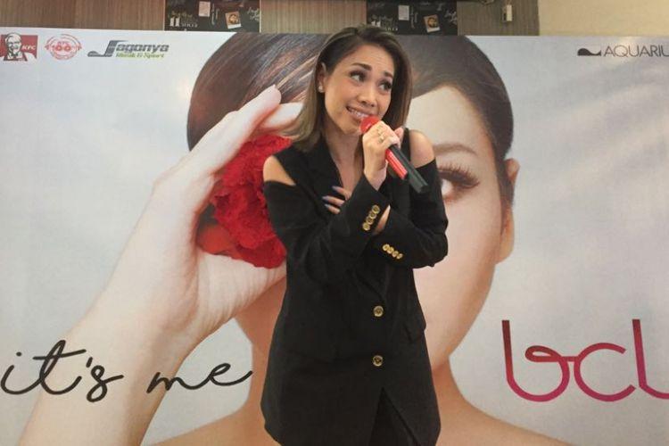 Bunga Citra Lestari merilis album bertajuk Its Me BCL di Kemang Raya, Bangka, Mampang Prapatan, Jakarta Selatan, Rabu (12/7/2017).