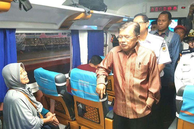 Di Stasiun Gambir, Wapres Tinjau Kesiapan KAI Jelang Mudik Lebaran - Kompas.com