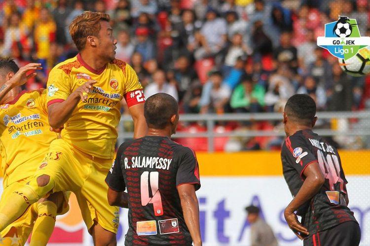 Laga Sriwijaya FC vs Persipura Jayapura berakhir imbang 2-2, Sabtu (14/4/2018).