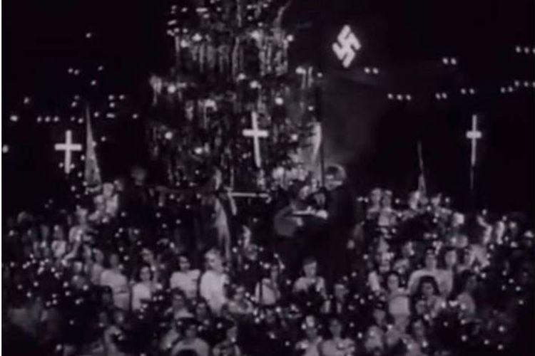 Pernak-pernik dan dekorasi Natal ala nazi
