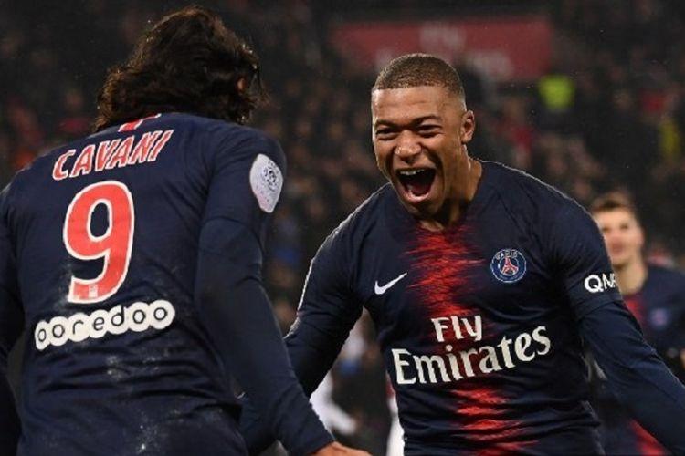 Kylian Mbappe dan Edinson Cavani tampil gemilang pada pertandingan PSG vs Guingamp di Parc des Princes dalam lanjutan Ligue 1 Liga Perancis, 19 Januari 2019.