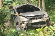 Akibat Pengemudi Mengantuk, Mobil Masuk Jurang Sedalam 20 Meter