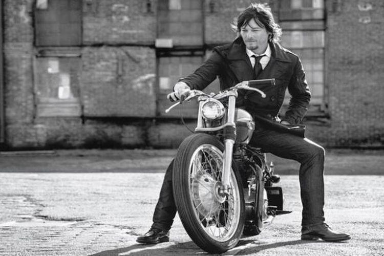 Tokoh Daryl Dixon yang diperankan Norman Reedus dalam serial The Walking Dead, kental akan karakter pria nakal.