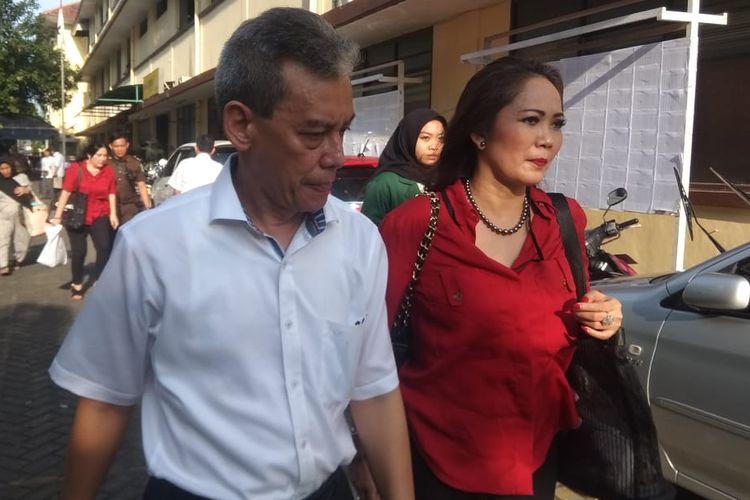 Penyanyi Fariz RM usai menjalani sidang lanjutan dugaan kasus narkoba di Pengadilan Negeri Jakarta Utara, kawasan Gajah Mada, Jakarta Pusat, Kamis (14/3/2019).