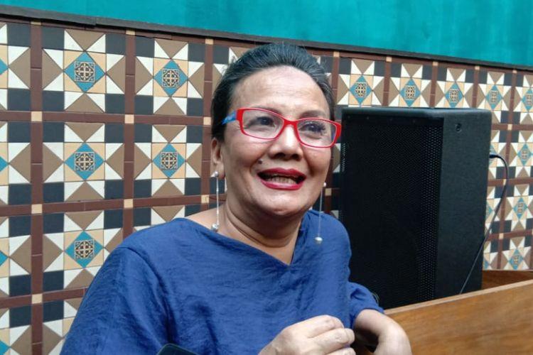 Christine Hakim menghadiri syukuran film horor Perempuan Tanah Jahanam di Queens Head, Kemang Raya, Jakarta Selatan, Senin (25/2/2019).