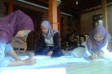 Melihat Serunya Mahasiswa Malaysia Belajar Membatik di Kulon Progo