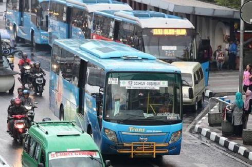 Naik Trans Metro Bandung, Buruh dan Guru Honorer Hanya Bayar Rp 1