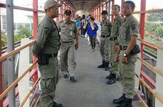 Satpol PP Jaga 5 JPO di Jalan Margonda, Depok, agar Tak Diokupasi PKL