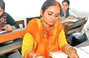 Usai Resmi Menikah, Wanita Ini Langsung Ikut Ujian Akhir Universitas