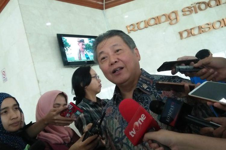 Anggota Komisi XI Hendrawan Supratikno di Kompleks Parlemen, Jakarta, Kamis (4/7/2019)